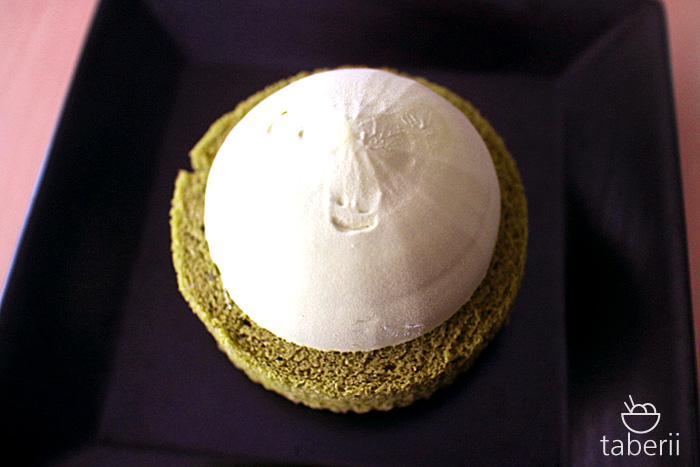プレミアム宇治抹茶ロールケーキアイス5